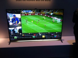SONY Smart TV, social media integration - CES 2014